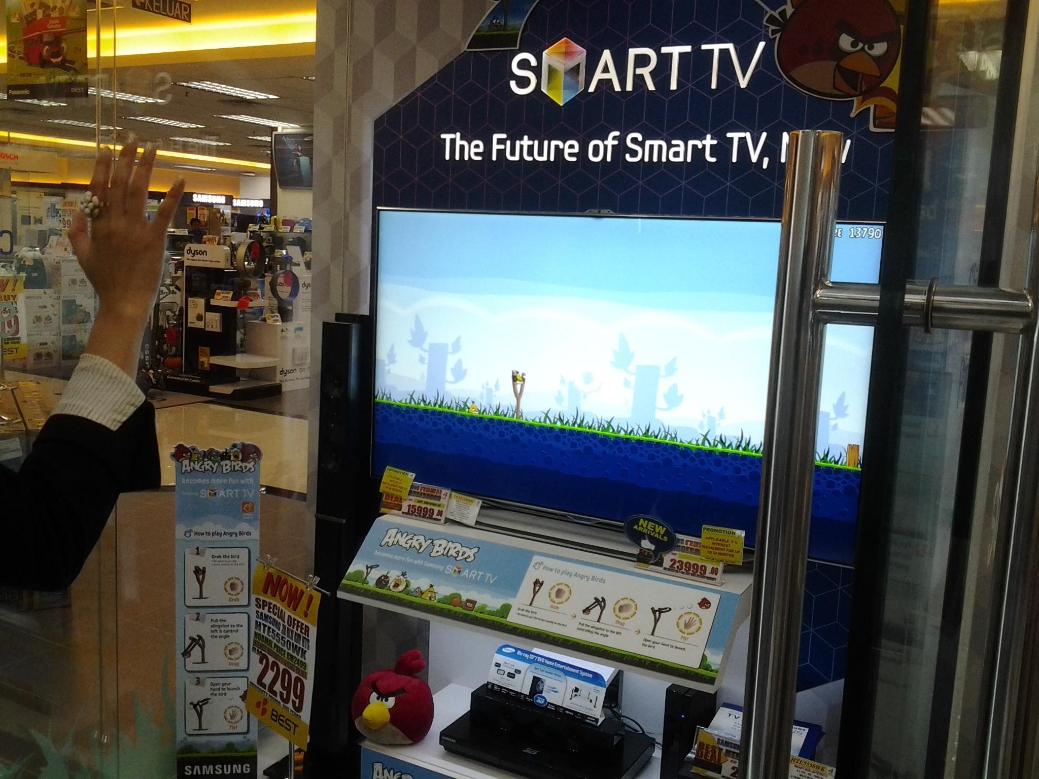 Samsung SMART TV on Angry Birds App – Sumandak & The City